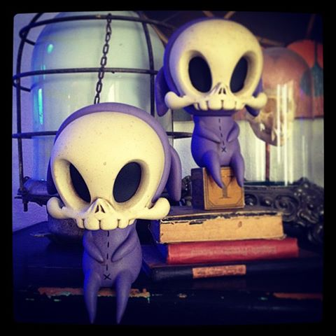 Violet Trickster Skelve