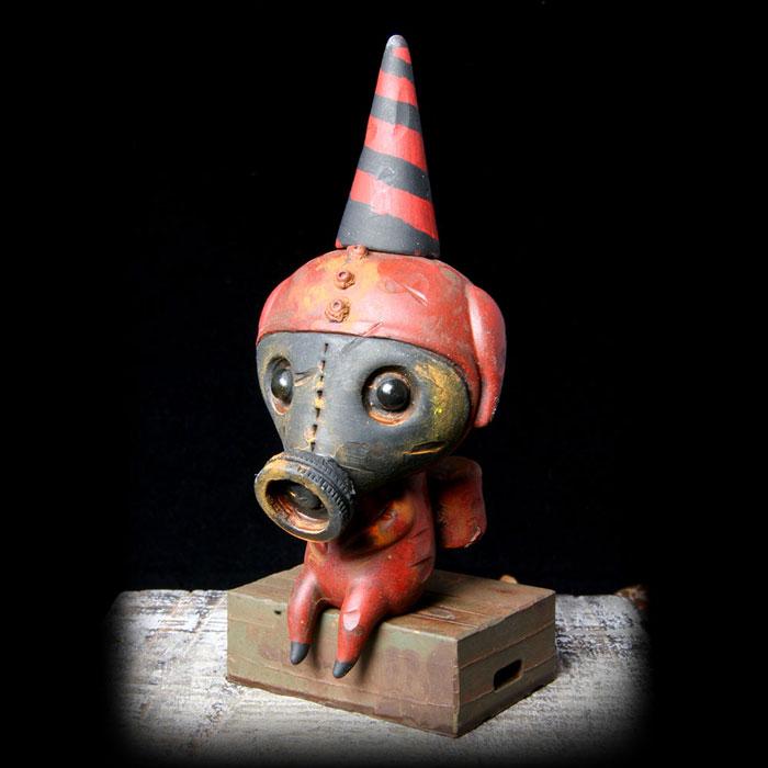 Dark Red Gasmask Calliope