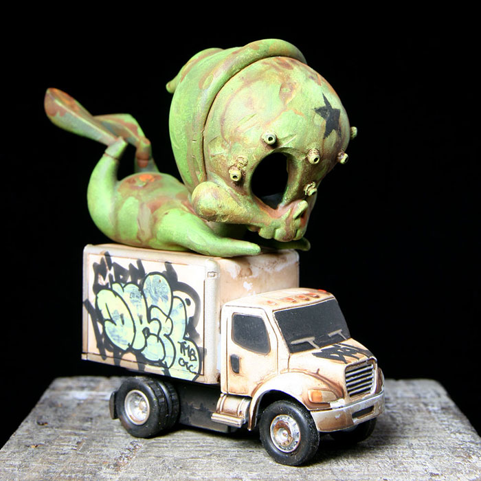 Green Skelve with Bombed Truck