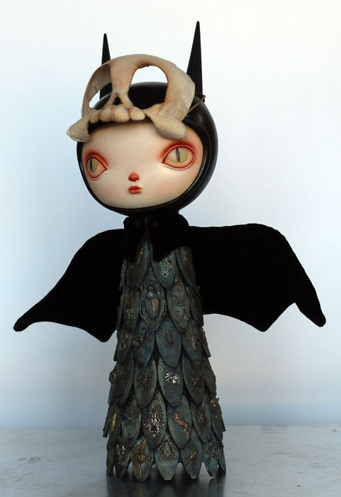 Encrusted-Mourning-Bat-Ash