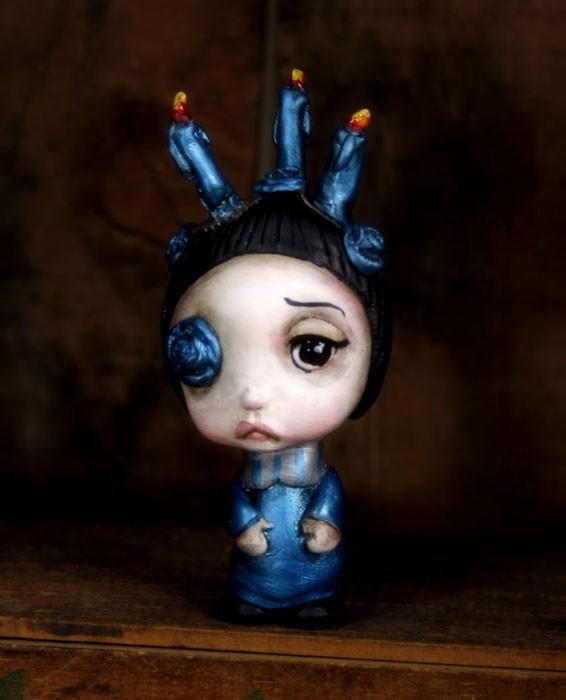 Lynch_CandleGirl_Blue