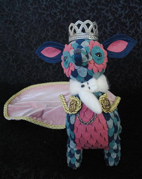 Queen-Creatoria-full-body-2